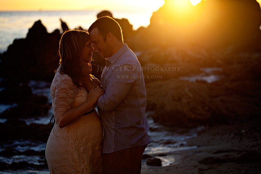 Beach Couples Maternity Pictures (5)