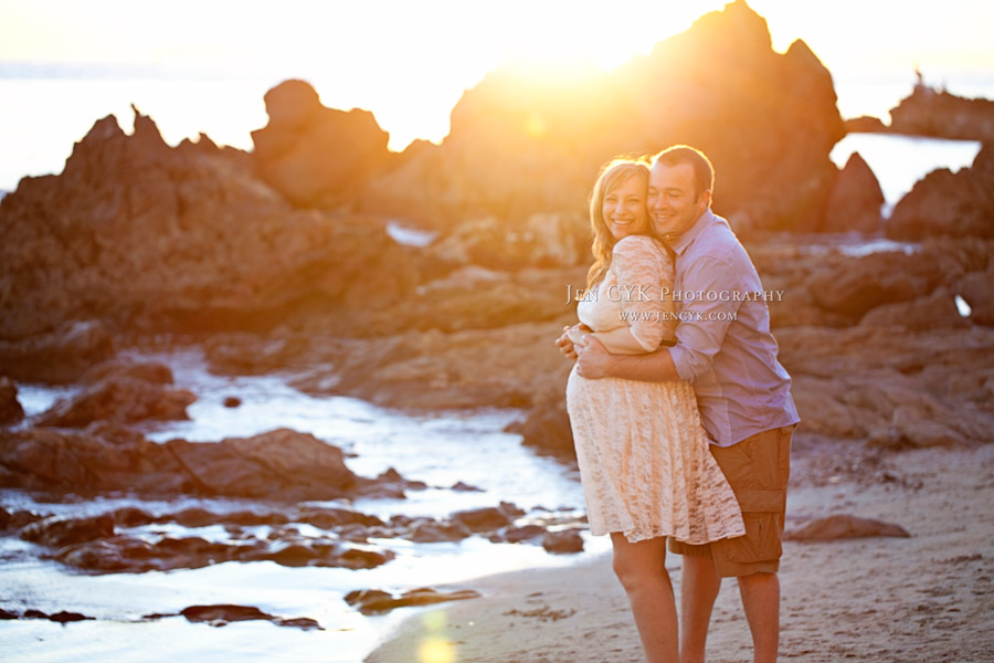 Beach Couples Maternity Pictures (6)