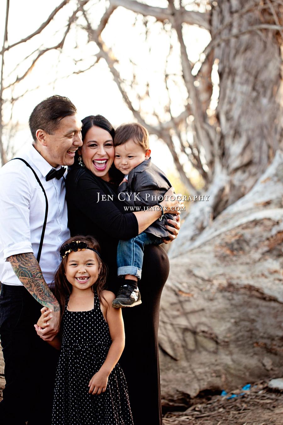 Family-Maternity-Photos-(23)