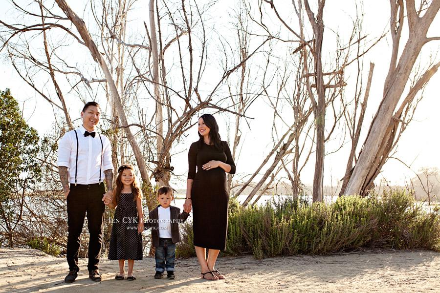 Family Maternity Photos (6)
