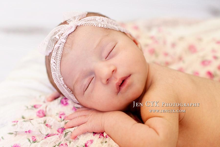 Amazing Newborn Poses (4)