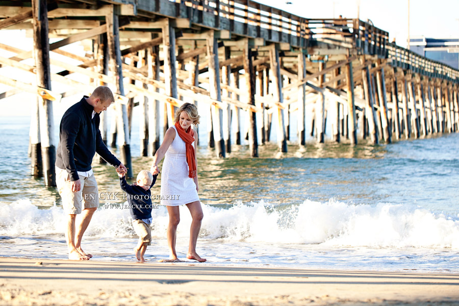 Newport Beach Pier Family Pictures (17)