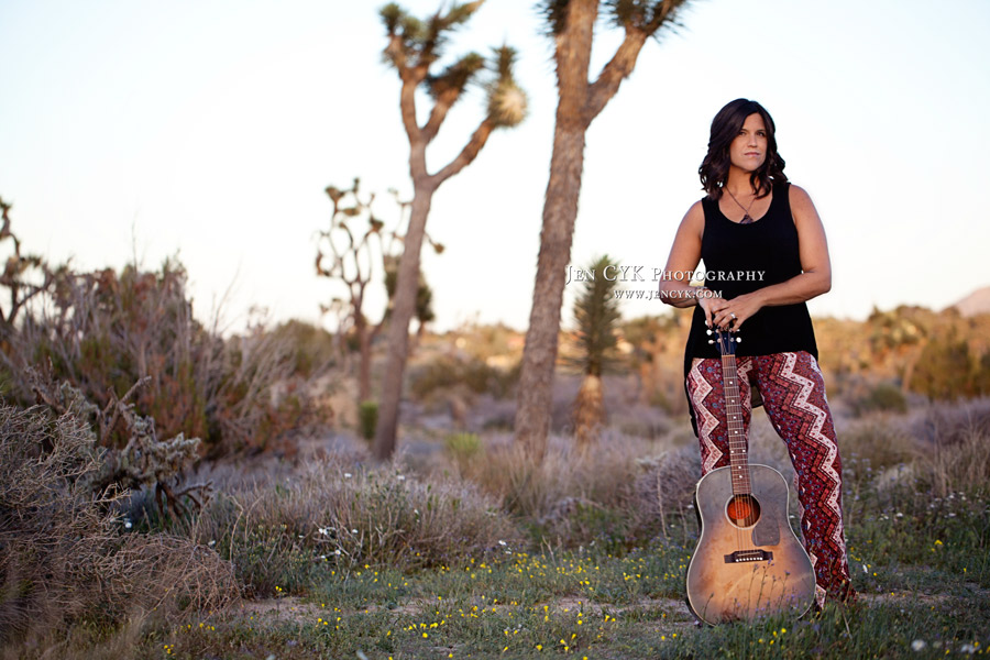 Girl With Guitar Photography (3)