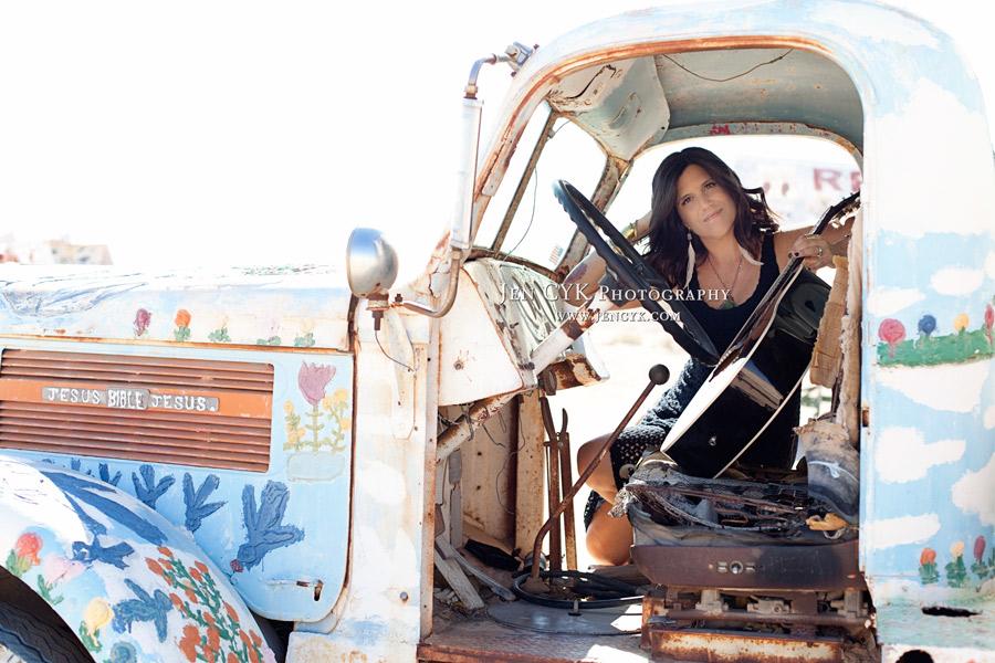 Salvation Mountain Girls Guitar (4)