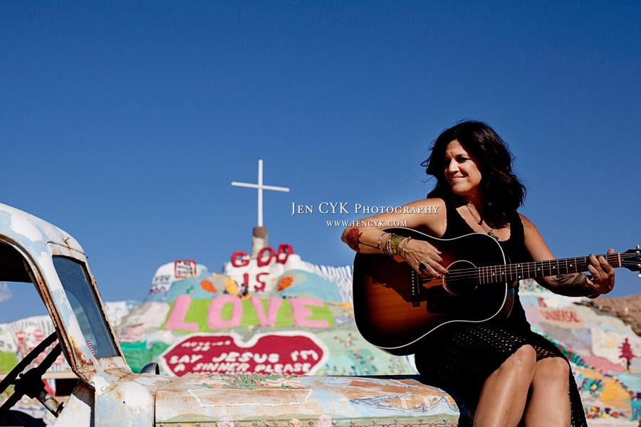Salvation Mountain Girls Guitar (5)