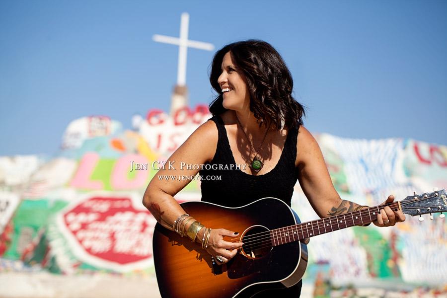 Salvation Mountain Girls Guitar (6)