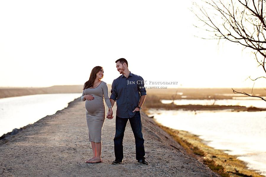 Huntington Beach Maternity Photos (13)