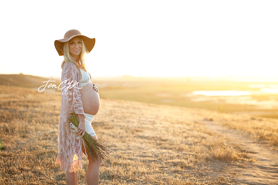 Stunning OC Maternity Photos (21)