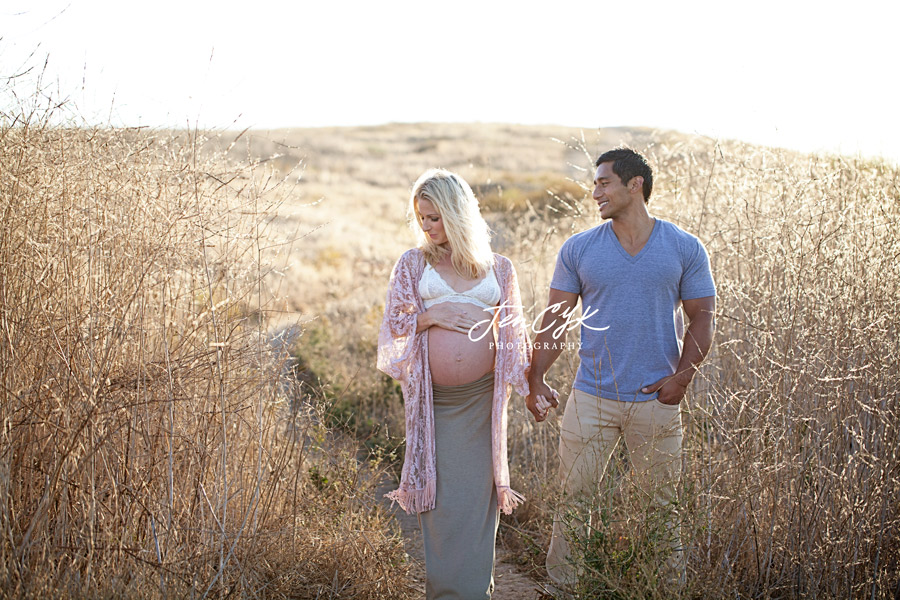 Stunning OC Maternity Photos (9)