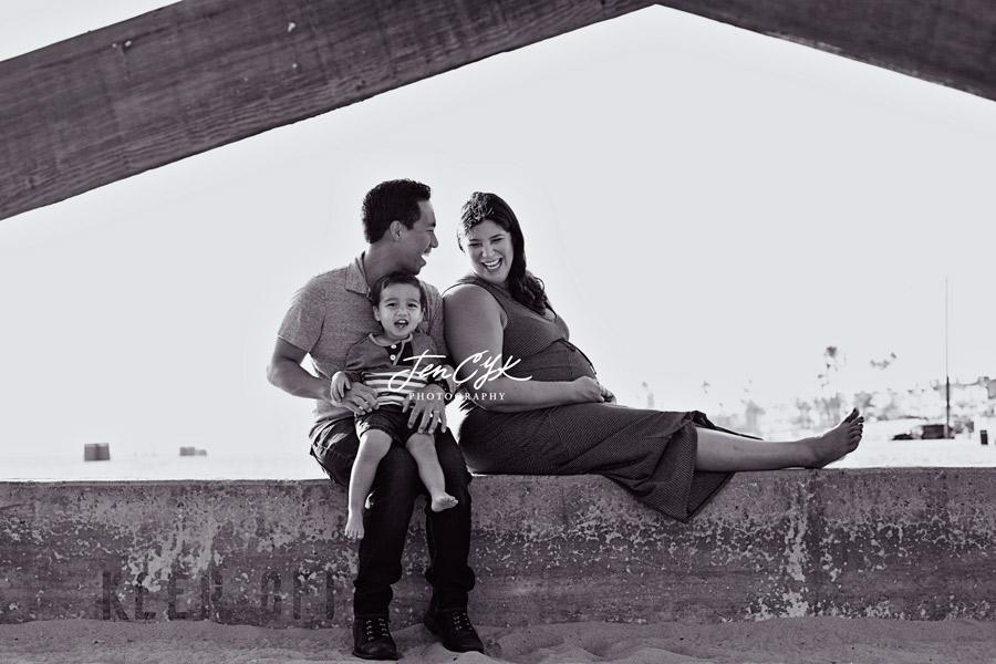Seal Beach Pier Maternity Pics (8)