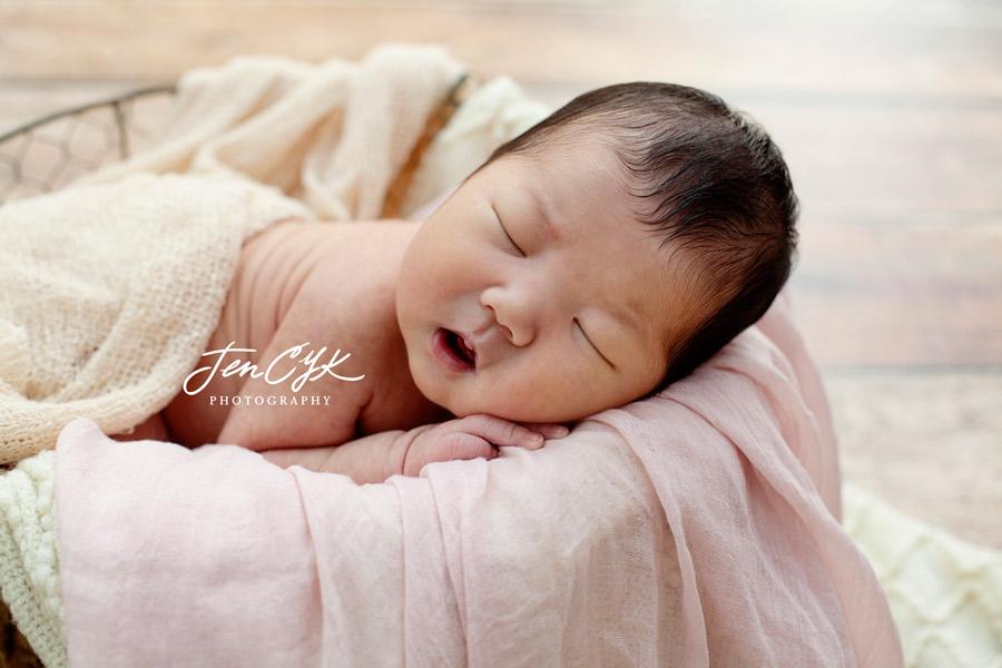 Best LA Newborn Photos (1)