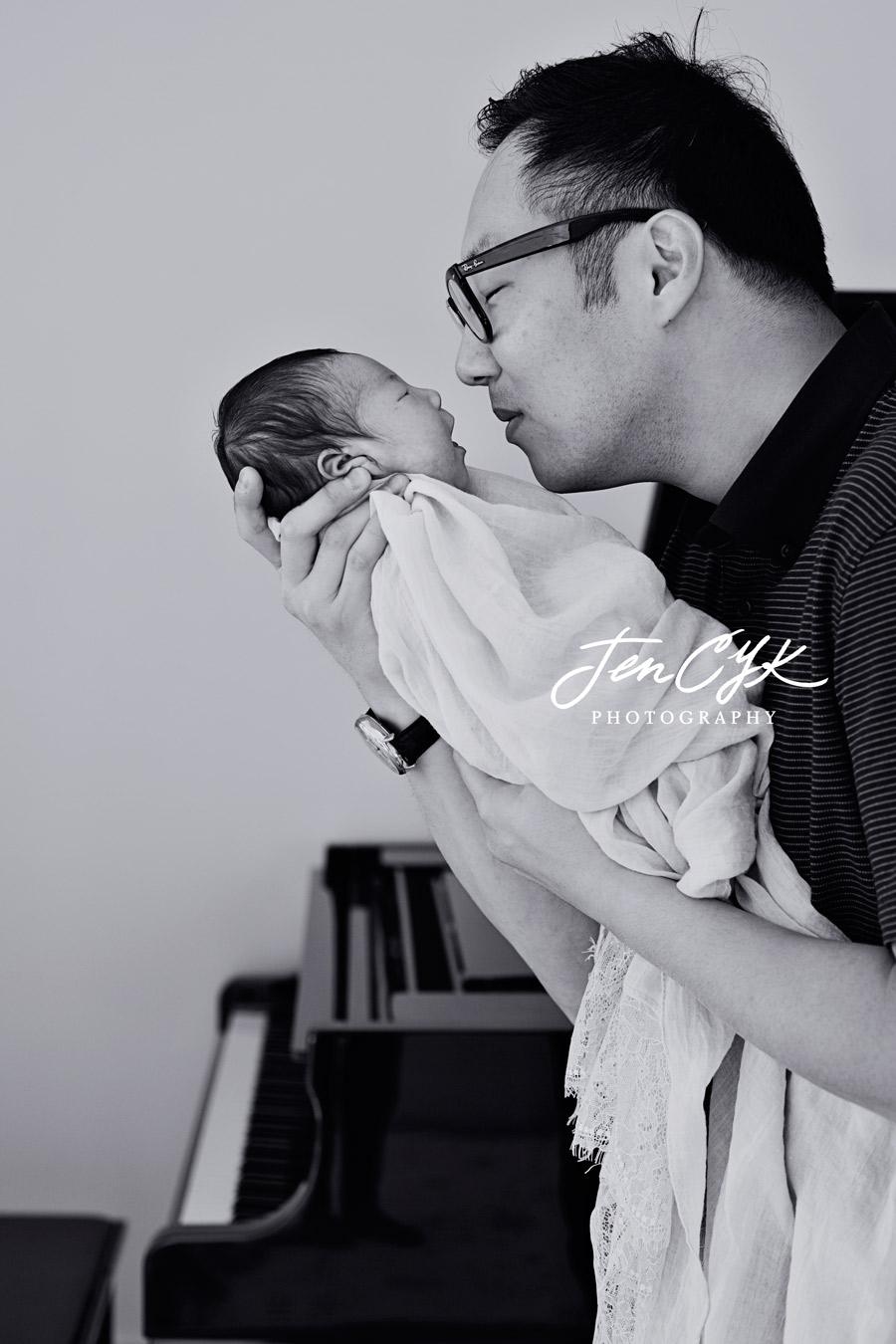 Best LA Newborn Photos (17)