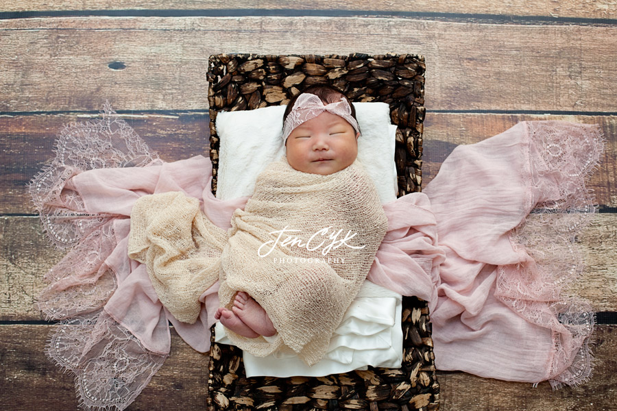 Best LA Newborn Photos (4)
