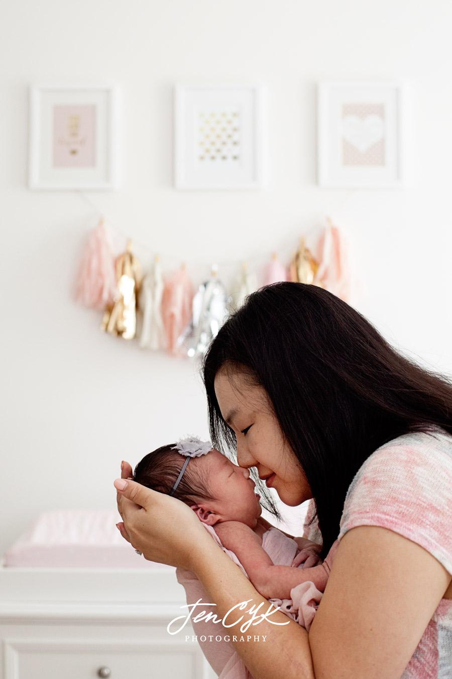 Best LA Newborn Photos (9)