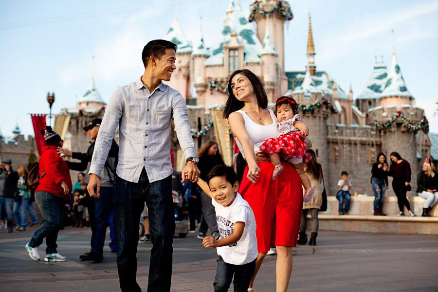 Disneyland-Family-Photos-Pics